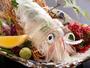 【夏限定!活烏賊の姿造り】さばきたての透き通った烏賊はコリコリ食感!この夏一度は食べたい逸品!