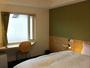 ダブルルーム(ベッド幅140cm)一例