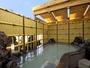 大人気の天然鉱石温泉の露天風呂は眺めも最高。基本営業時間:16時-深夜2時、朝6時-10時迄。