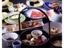 旬の食材を厳選した料理の数々。素材の旨みをご堪能下さい。