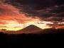 台風一過の幻想的な富士の眺め
