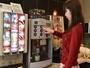 ラウンジで24時間ドリンクサービス♪コーヒー・ジュースが飲み放題です!