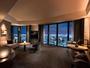 エグゼクティブコーナースイート。全室50平米以上の客室からは、大阪の絶景をお楽しみいただけます。