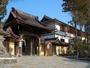 高野山の中央に位置し、参拝に最適な立地条件の宿坊です。
