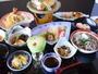 【夕食一例】地元の食材を多く使った料理