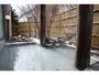雪の中の露天風呂