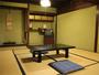 ●客室例●和室12-14畳●昔ながらの静かな旅籠風の和室。ご夫婦やカップルでごゆっくりとお寛ぎ頂けます。