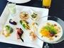 朝食の前菜とヨーグルト。プチコーススタイルの朝食です。