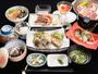 *夕食(一例)沖縄の食材をふんだんに使った手作りの夕食膳