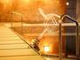 踏み心地柔らか♪小川屋名物100帖空間の畳風呂! 飛騨川を望み季節に染まる優雅な露天風呂も人気です。