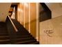 エントランスからのメイン階段