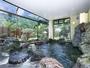 *天然の秩父銘石を使用した岩風呂大浴場。男女各1か所ございます。