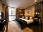 *[2階マスターベッドルーム]広さ約19.4平米ベッドはキングサイズ。デザイナーズバスルーム付き。