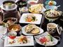 ■【清盛膳・冬】 季節の食材を活かした、彩食膳※画像は冬の一例。時季により食材、器が異なります