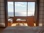 全室オーシャンビュー。津軽海峡を一望できます。※写真は新館和室二間、客室により景観は異なります。