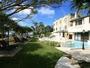 自然のビーチ近くに静かに佇む8室のプライベートリゾート