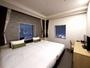 ツイン(ベット幅120cm):バス、トイレ、洗面が分かれたセパレートタイプの客室です。