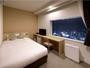 ダブル(ベット幅153cm):バス、トイレ、洗面が分かれたセパレートタイプの客室です。