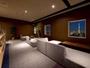ラウンジ(20階):東京の美しい夜景を眺めながら、ゆっくりとおくつろぎください。