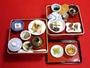 *【夕食一例】お食事は宿坊ならではの精進料理をご用意。素材のおいしさを感じていただけますよ。