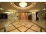 ロビー/エントランス:広々としたロビーは、シティホテルならではの佇まい。美術品の展示もございます。