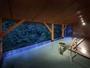 深緑の露天風呂(土詠の湯)夕暮れ時左斜めからのアングル