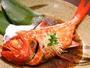 脂のほどよくのった金目鯛をとっぷり煮付けた関東風の味付(写真は2人前)