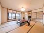 *【本館和室(一例)】相模湾と港を眺める15畳のお部屋です。